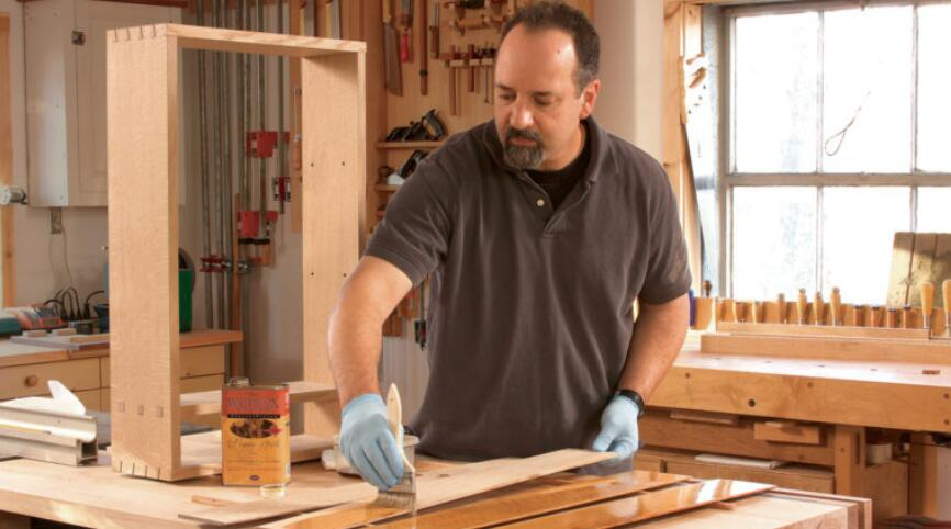 How to Varnish Wood 7 Steps