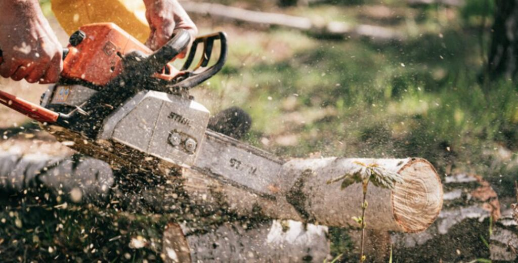 Makita UC4051A 16-Inch Electric Chain Saw